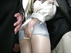 Video hot di Upskirt - primo anale asiatico